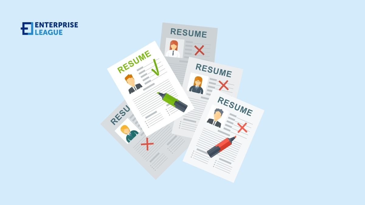 What do employee look in resumes